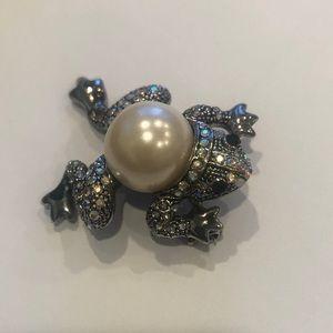 NWOT crystal pearl frog pendant brooch CUTE!